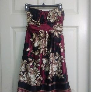 NWT max and Cleo strapless dress size 6.